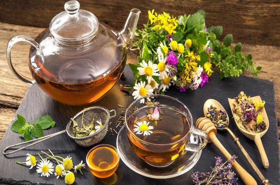 Ceaiuri și plante medicinale