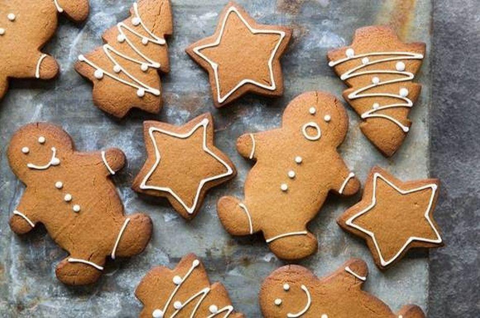 Turtă dulce de casă , biscuiți și cozonaci