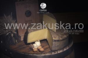 Brânză maturată în vin roșu - Caritas Alba Iulia
