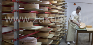 Brânză maturată în bere brună - Caritas Alba Iulia