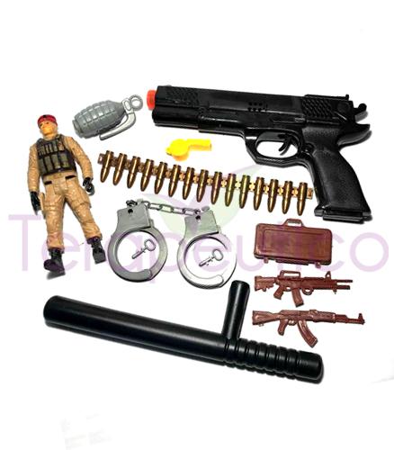 Set soldat cu pistol