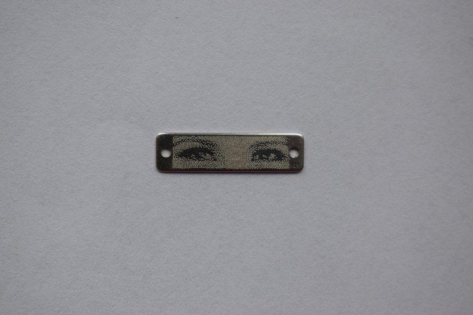 tablita 19x4 gravata foto - ochi