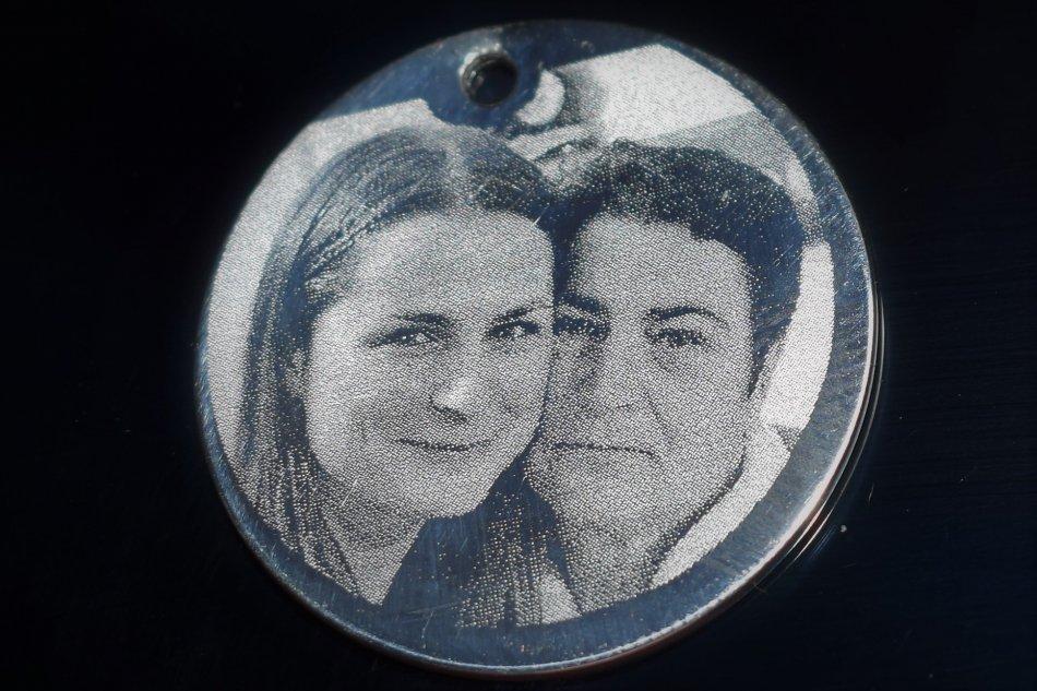 Banut argint 925  25 mm gravat foto HD , grosime 1 mm