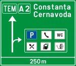 Presemnalizare pe autostradă pentru spațiu de servicii