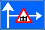 Presemnalizarea unui loc periculos, o interzicere sau o restricție pe un drum lateral
