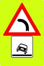 Panou curbă la stânga + pericol de răsturnare