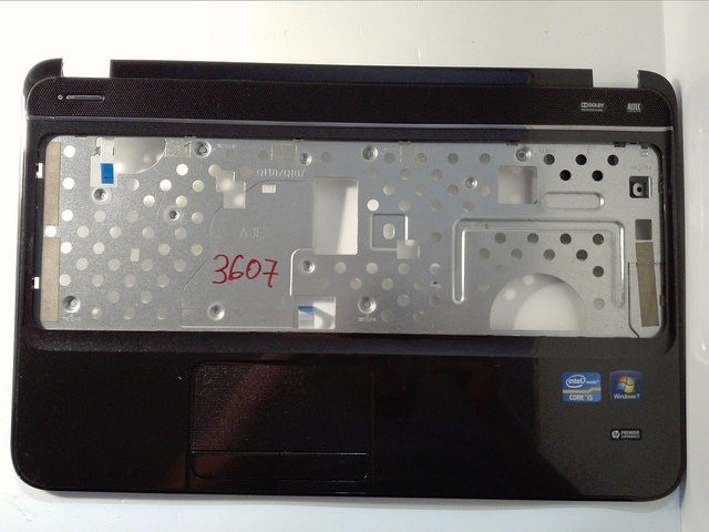 Carcasa superioara (palmrest) HP G6 seria 2000  684177001