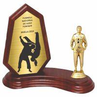Trofeu lemn WF404+Figurină Luptătoare Judo F538