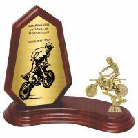 Trofeu lemn WF404+Figurină motociclist F244