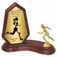 Trofeu lemn WF404+Figurină Sportivă Atletism F414