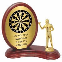 Trofeu lemn WF406+Figurină Darts 5001