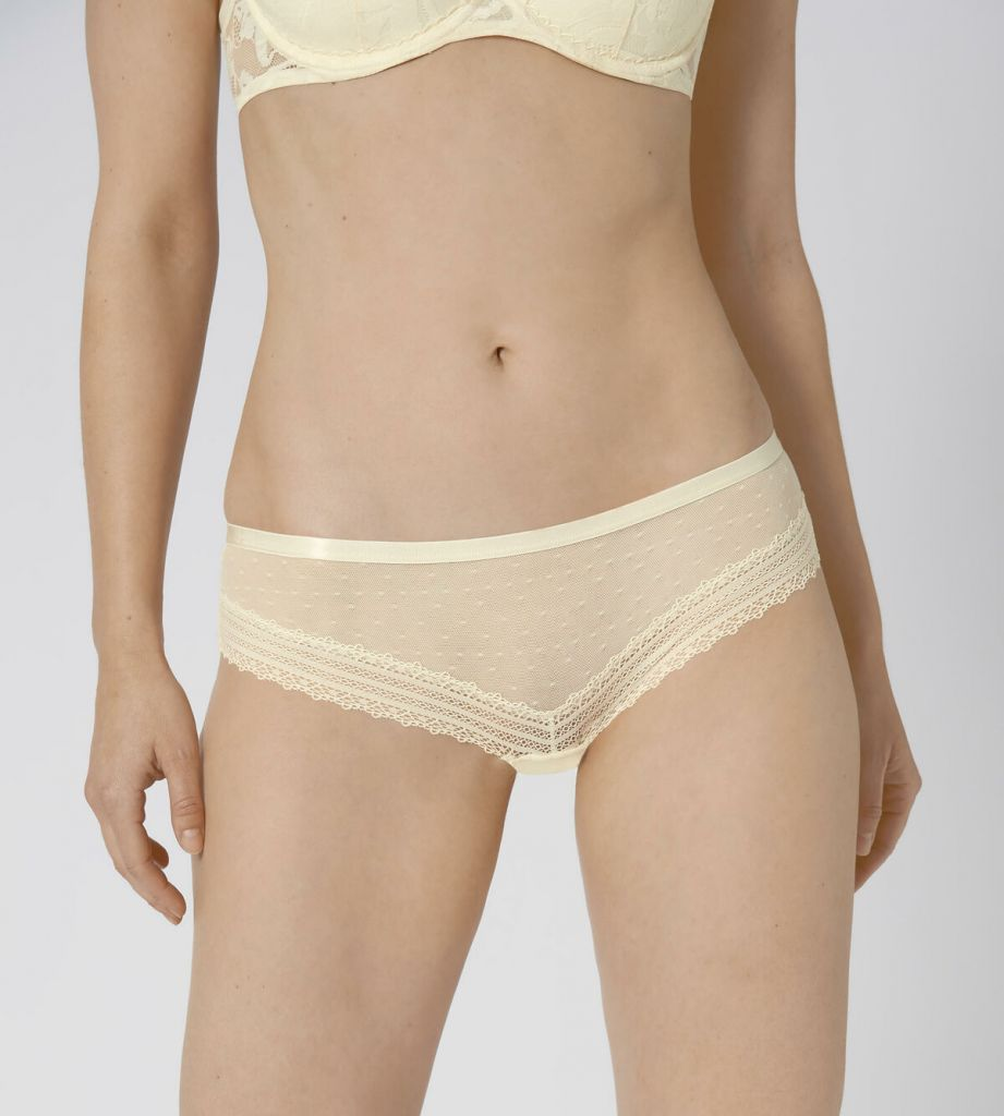 Triumph Tempting Tulle Hipster 00OP 1